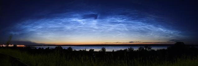 Серебристые облака над Волгой в районе Чебоксарской ГЭС 20.06.2017